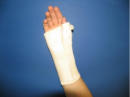 Picture of Long wrist orthosis with palm metal strip (C180)